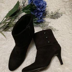 Gorgeous Black Fioni Ankle Boots sz 7.5 W